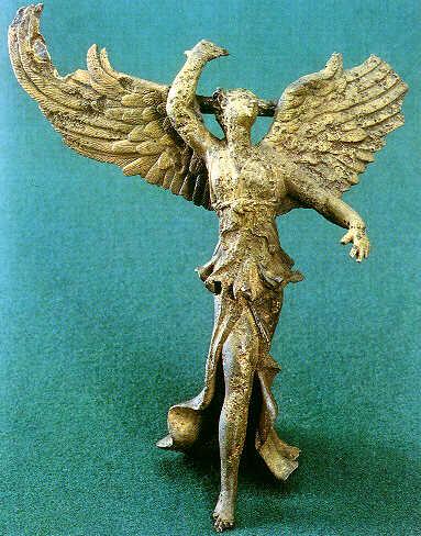 Статуэтка Ники, в древнегреческой мифологии   — богиня победы